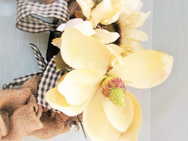 burlap wreath close up