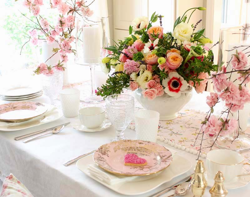 valentine's day pink tablescape