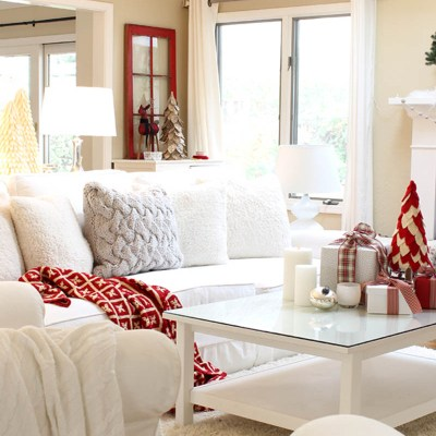 Christmas Home Tour for today is great inspiration of the classic red and white color scheme. Get ideas for your gift wrapping, advent tree and more.