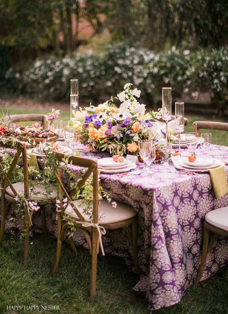 Come see these amazing Backyard Decorating Ideas for a Summer Party! If you need ideas for your porch, deck, wedding, or an outdoor dinner party we share it. #outdoorentertaining #entertaining #summerideas #summer #summerdecor