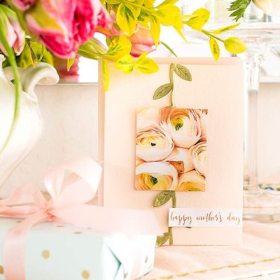 This DIY artwork will be so pretty your home and walls will show off some lovely pieces. My walls are in desperate need of some wall decor, and this looks like the perfect project. Also, don't miss out on a fun free printable card that is so easy to make. #diyartwork #crafts #diy #walldecor #printable #freeprintable