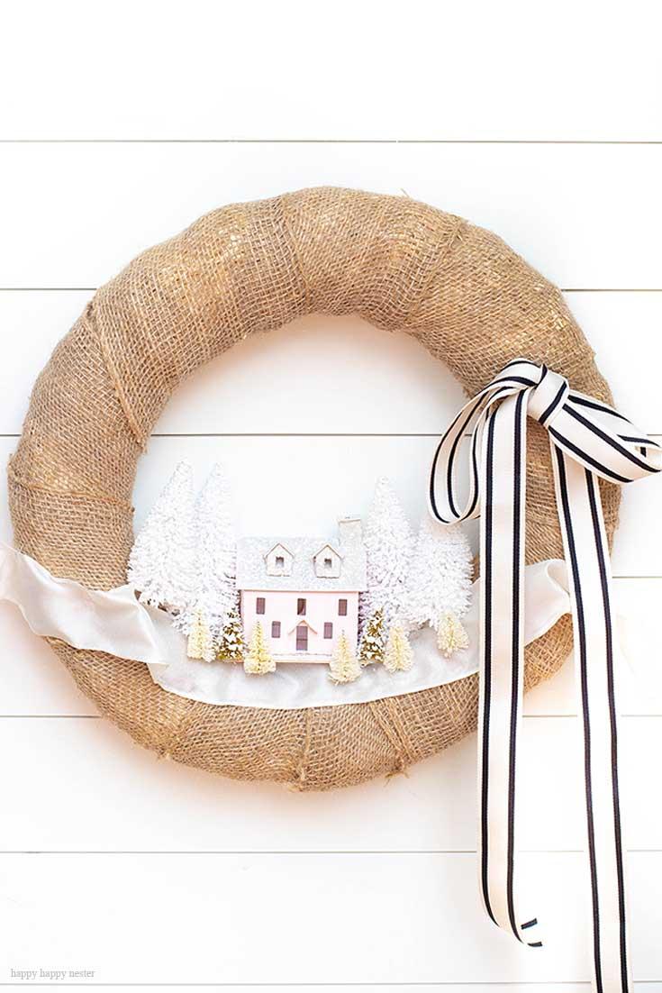 이 수제 Putz 집 또는 종이 집은이 마을 절벽에서 완벽합니다.  이 놀라운 소형 종이 집 컬렉션을 확인하십시오.