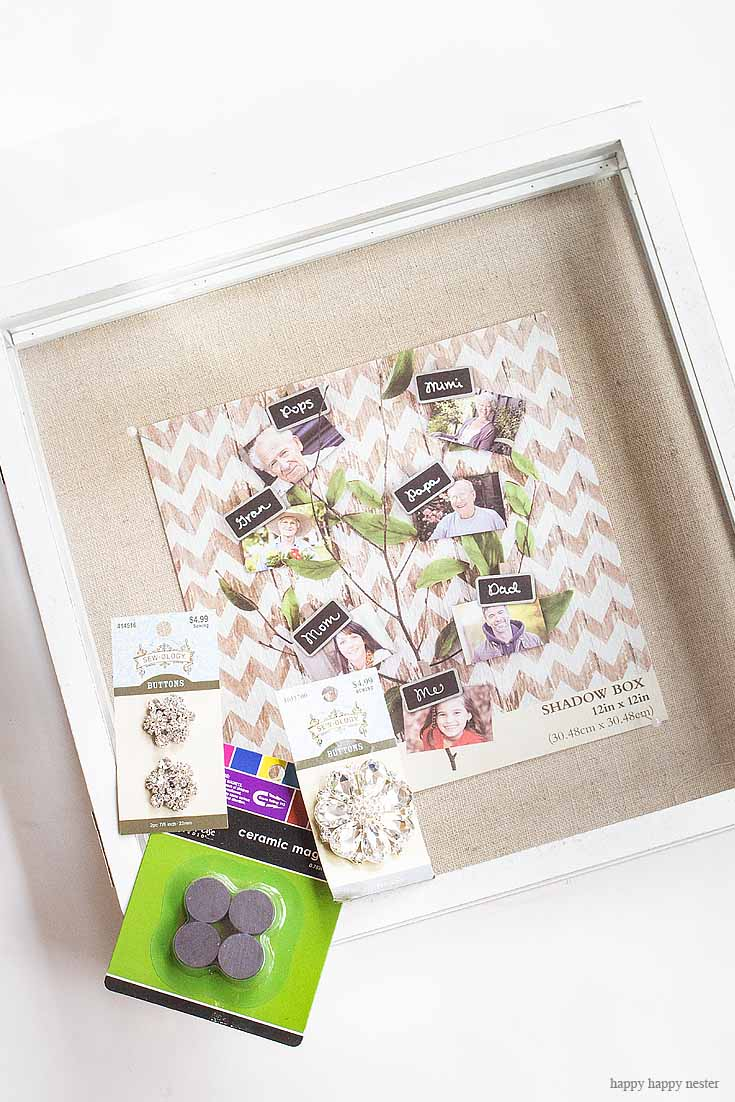 Do you need to organize your jewelry? This Magnetic Hanging Jewelry Organizer DIY is the perfect way to display your jewelry and organize it as well. It is a magnetic board that you can place either fabric or paper on it and then make moveable magnetics that holds your jewelry in place. Crafts | Jewelry Holder | Organizing | Jewelry | Magnetic Board