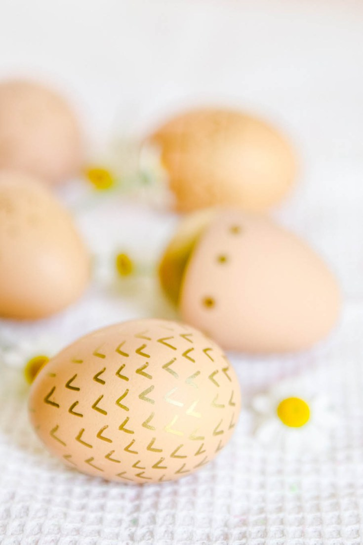 Decorating Brown Eggs for Easter.