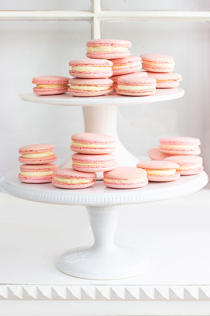 Enjoy this helpful roundup of my Top 10 Blog Posts of 2019. It's my reader's favorites, which include crafts and recipes. These are great recipes and crafts like this classic french macarons recipe. #crafts #wreaths #recipes