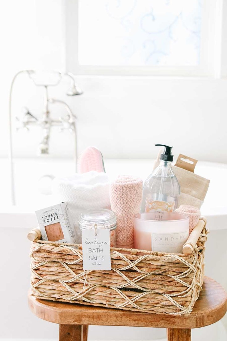 Spa Gift Basket Ideas. Need some Gift Basket Ideas for Mother's Day? Or for that matter any friend who loves tea parties? Well, this post teaches all the things to consider when putting together a great gift basket from the container to the perfect items from HomeGoods! #giftbasketideas #giftbaskets #gifts #HomeGoods #shopbaskets #teabasket