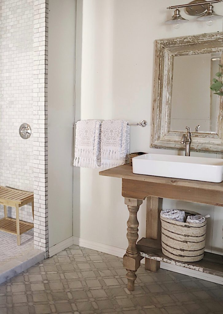 Waco Texas Fixer Upper Master Bath Remodel. Do you need some Home Renovations Ideas on a Budget? Here are real home remodels showing the before and after photos. #renovations #DIY #homeprojects