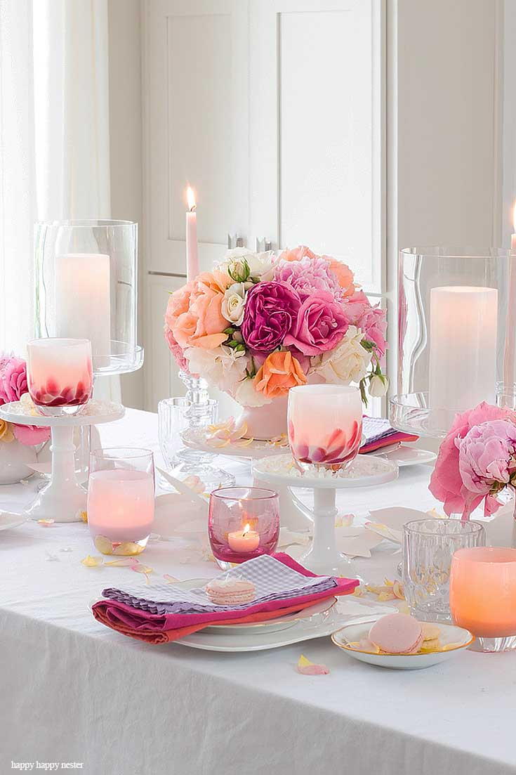 Add flowers and candles to any table and you are on your way to a stunning tablescape. My Casual Table Setting Ideas For Every Day is easy to create if you have just a few items. Find out the elements you need to create a pretty summer table. #summer #summerdining #dining #tablesetting #tabledecor #decorating