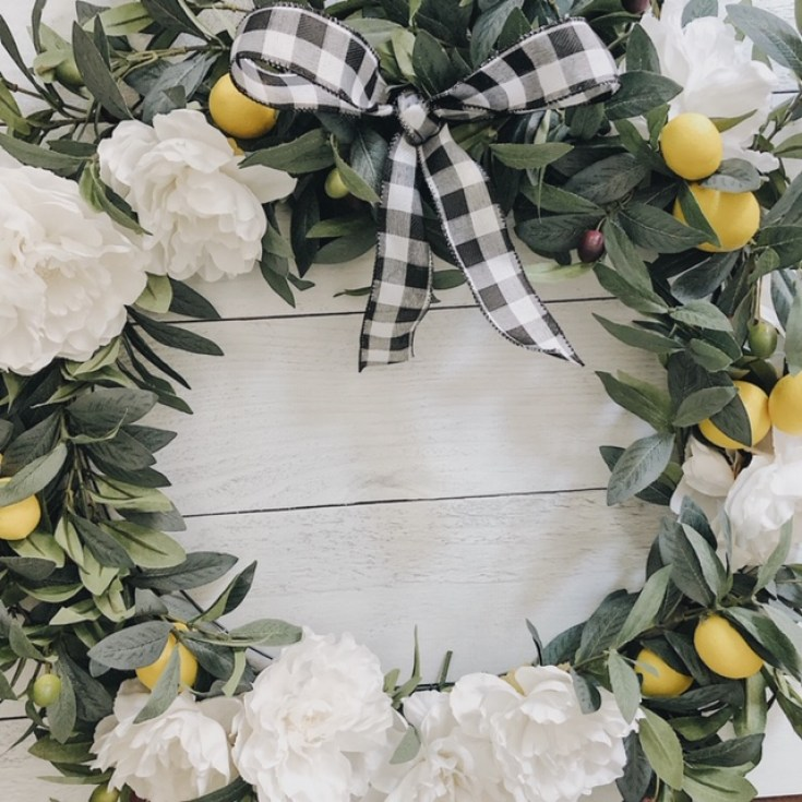 Lemon and peony wreath.