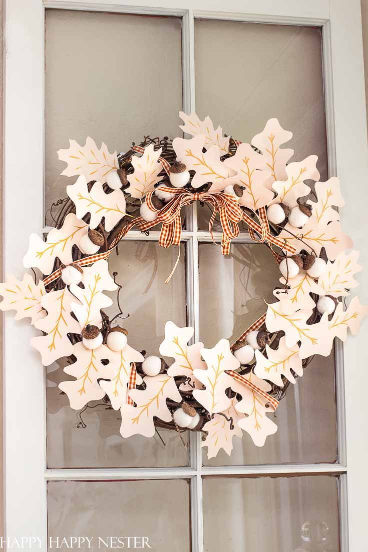 Need some Fall Wreath Ideas DIY? This paper wreath DIY is so easy to make, and the results are pretty. Also, there are 22 other beautiful fall wreath ideas. #wreath #wreathdiy #crafts #fallcrafts #fallwreath