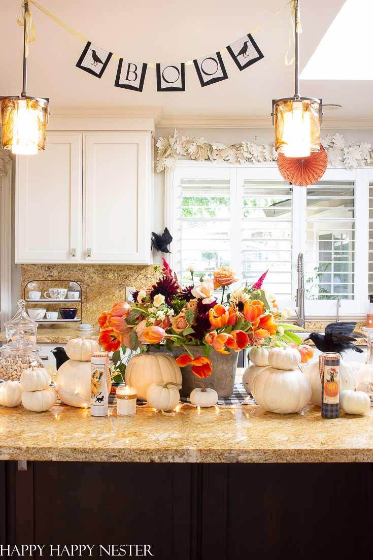 If you need some Ideas for Halloween Decorations, then this post shows 7 helpful tips. All these decorating ideas are easy and can quickly change your home. #halloween #halloweendecor #decorateforhalloween