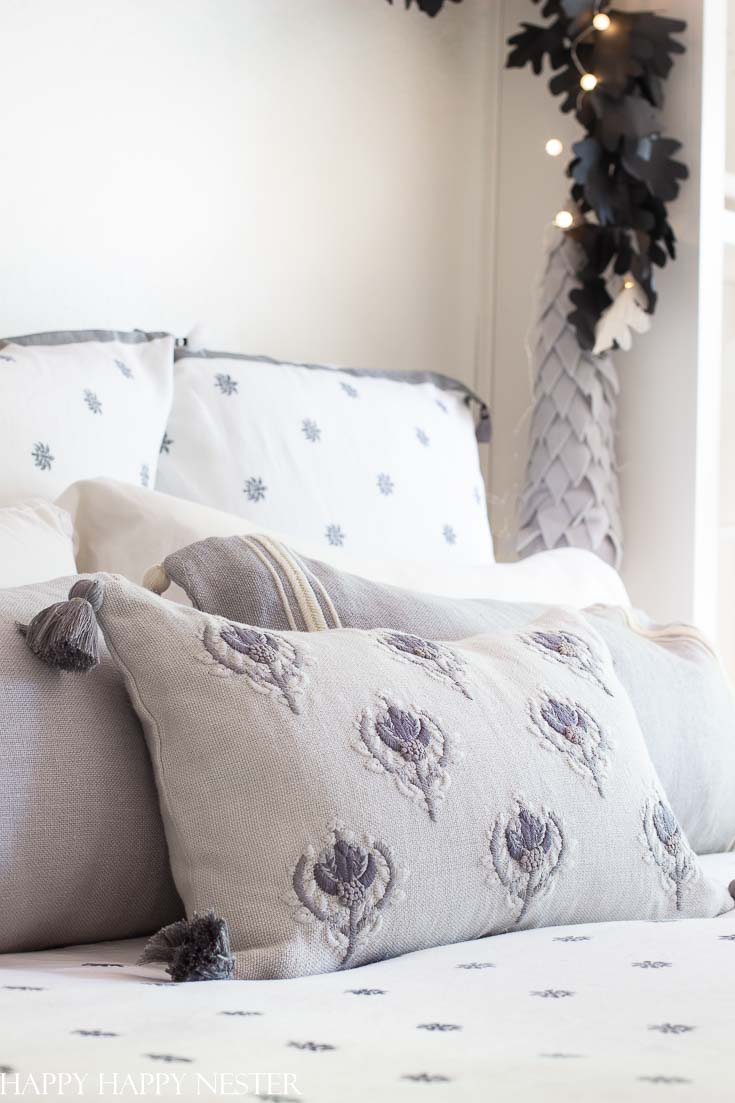 Here is a Master Bedroom Reveal with Serena Lily. This winter linen is fresh and beautiful. Serena & Lily's attention to detail means stunning bed linens. This duvet cover is luxurious and gorgeous, and all rolled up in one. These gorgeous pillows are the perfect accent to this winter bed. #bedroom #masterbedroom #linens #serena&lily