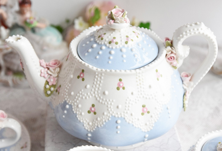 beautiful US vintage teapot