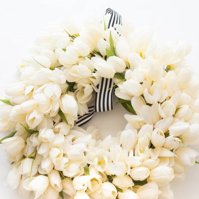 How to Make a White Tulip Wreath