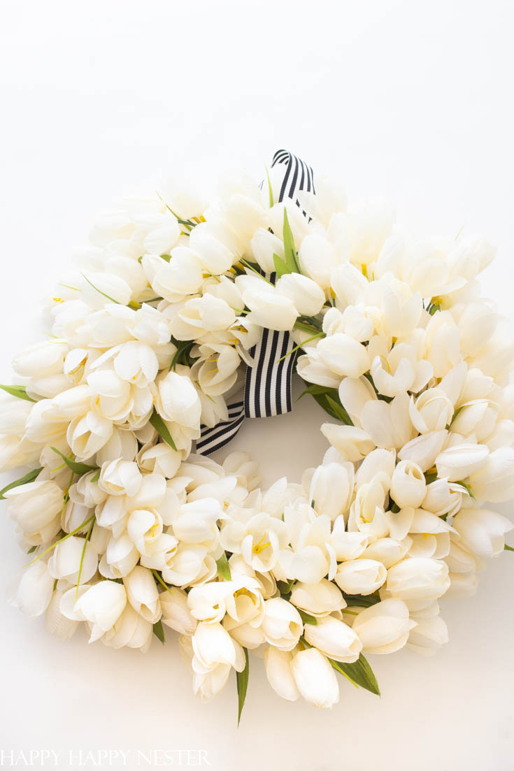 beautiful white tulip wreath tutorial