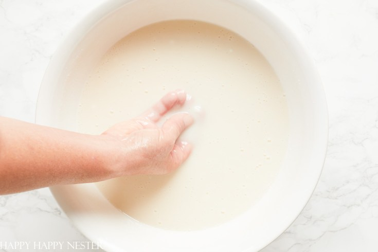 mix mochi with hands in a large bowl