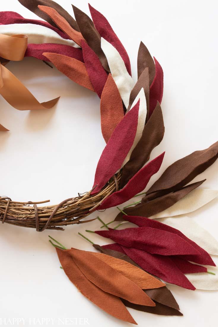 how to make a fall felt wreath