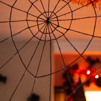 How to Make a Giant Spider Web Using Yarn