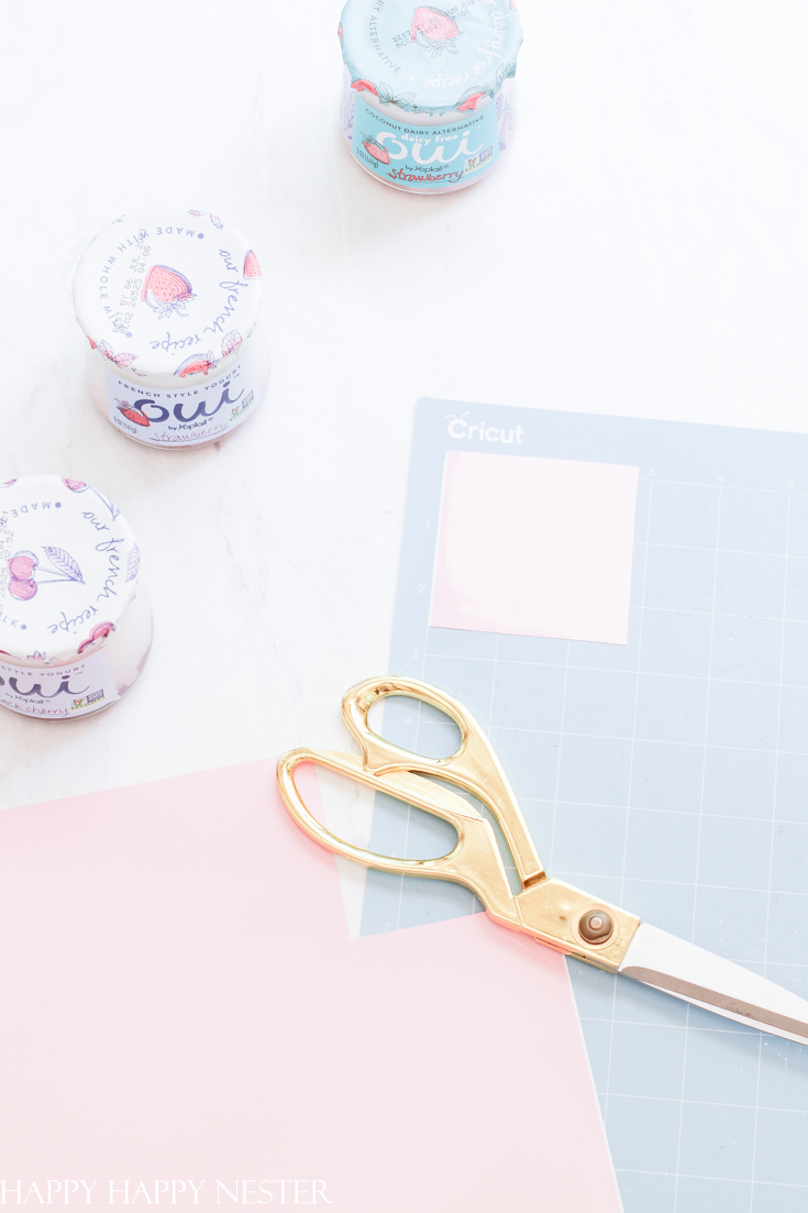 cricut project with glass jars