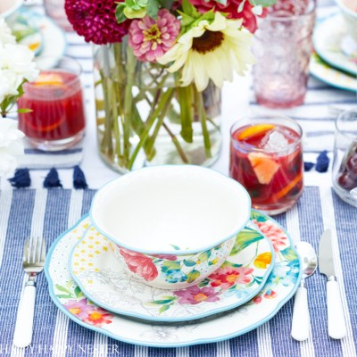 Outdoor Table Decorations for Summer
