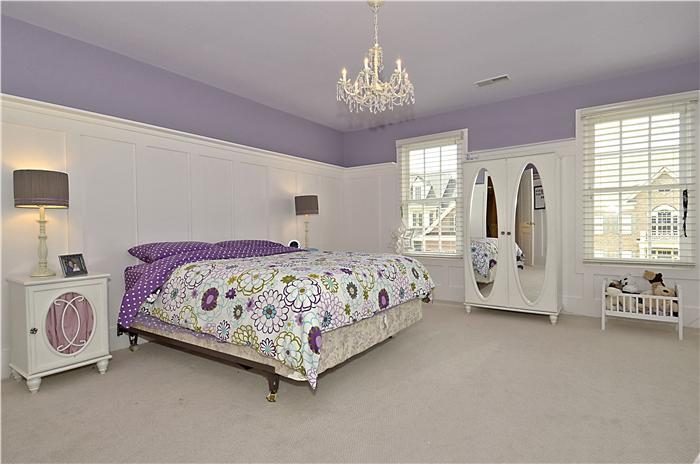 Web_Upper Level-Bedroom_1