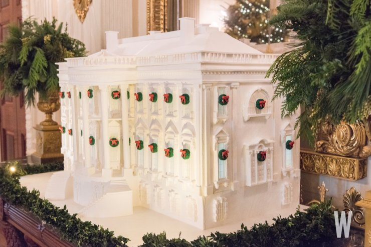 white-house-xmas-decorations-22