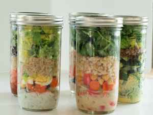 Mason-jar-salad-recipes