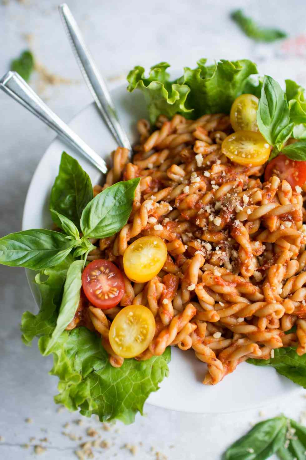 Bell Pepper Recipes: Roasted Pepper and tomato Pasta