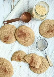 Low Carb Flaxseed Cinnamon Breakfast Cookies