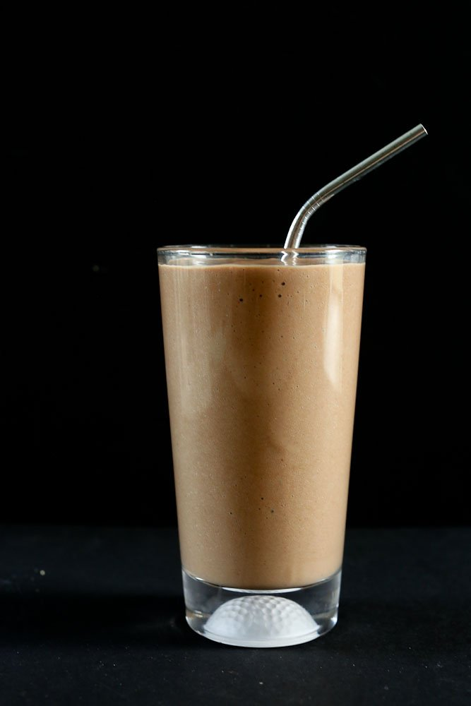 Café Mocha Collagen Protein Smoothie recipe with a dark black background