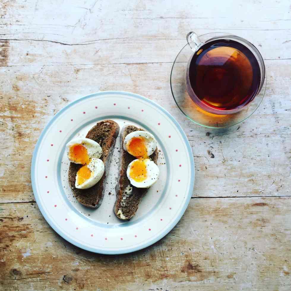 soft boiled eggs on toastt