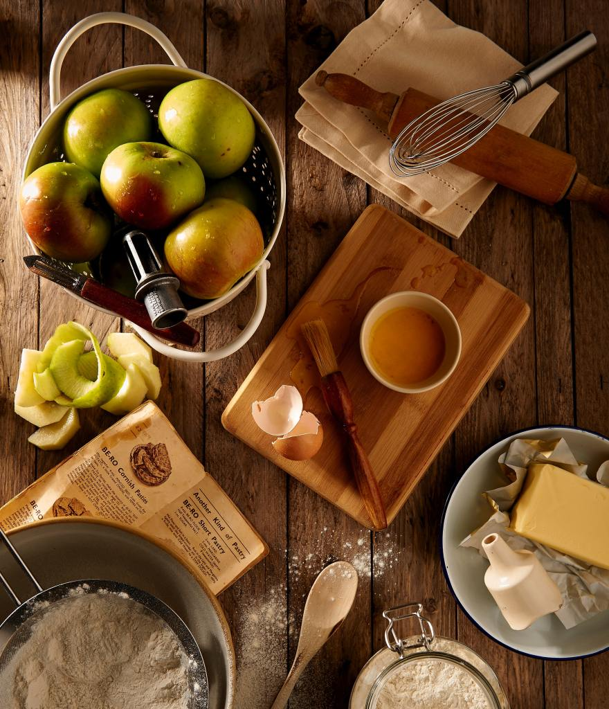 Apples, Eggs, Flour, Butter, Recipe, Whisk, Rolling Pin