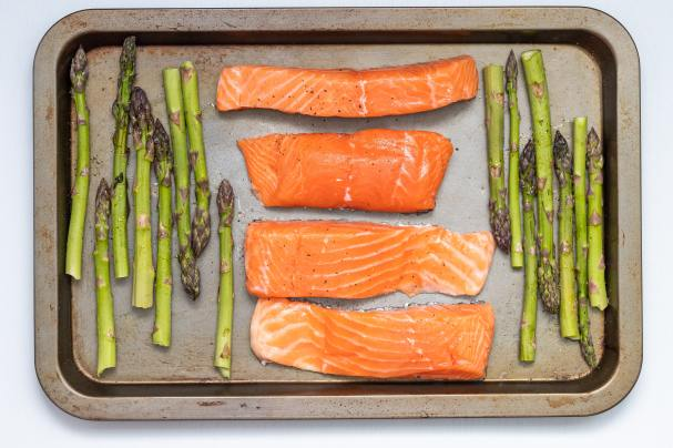 Low Cholesterol Fish On A Sheet pan With Asparagus