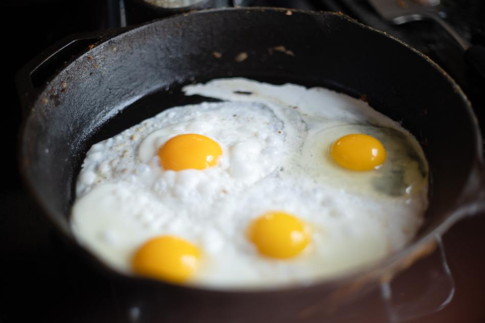 Frying Eggs in a Pan- Basic Cooking How To