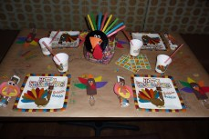 How to Create an AMAZING Thanksgiving Kid's Table!