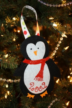 Christmas Crafts – Homemade Felt Ornaments