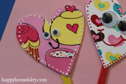 plate heart puppet at happyhomefairy.com 9