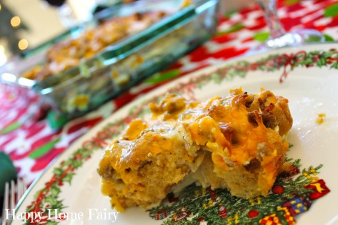 breakfast casserole for christmas morning - so easy and soooo delicious. the perfect tradition