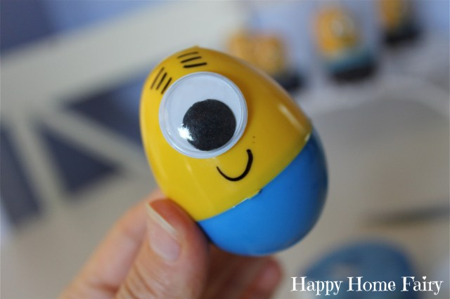 minion eggs - step 3