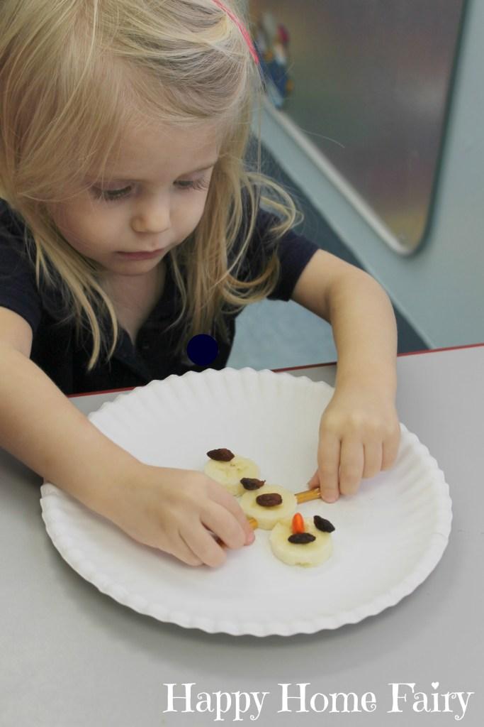 healthy snowman snack! cute for preschoolers!