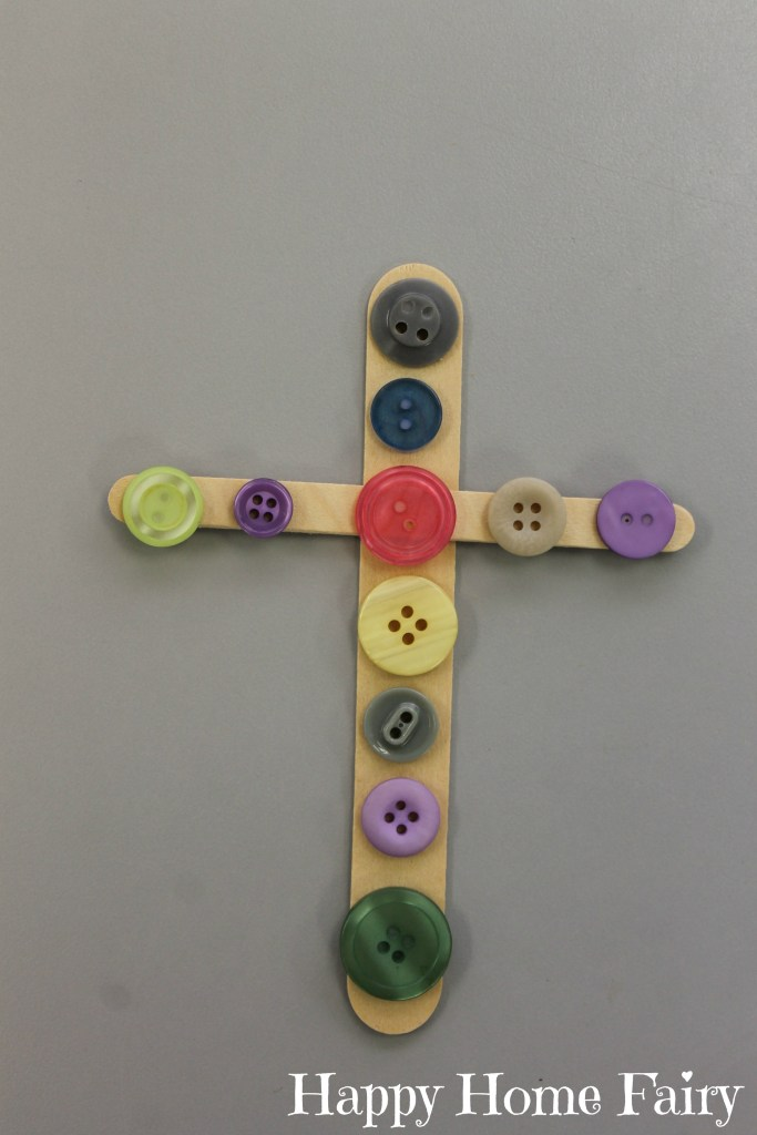 simple cross craft at happyhomefairy.com - so cute!