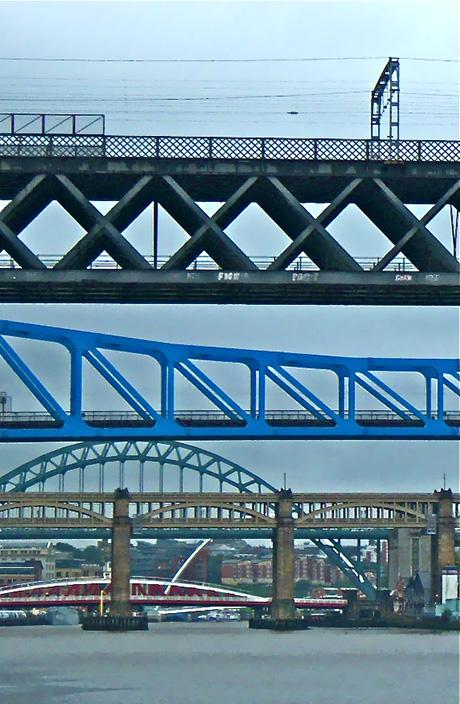 twitchhiker-9-bridges-of-newcastle-upon-tyne