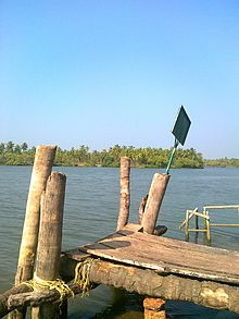 Boat_jetty_of_valiyaparamba