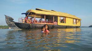 Happy house boat Nileshwram