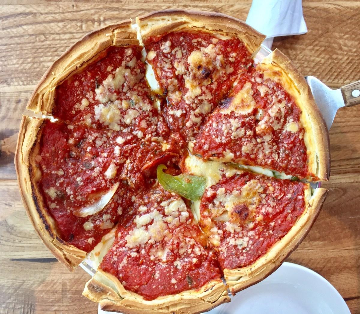 Giordano's Deep Dish Pizza #deepdishpizz #pizza #giordanos #giordanoslasvegas #vegas #lasvegas #ballys #grandbazaarshops