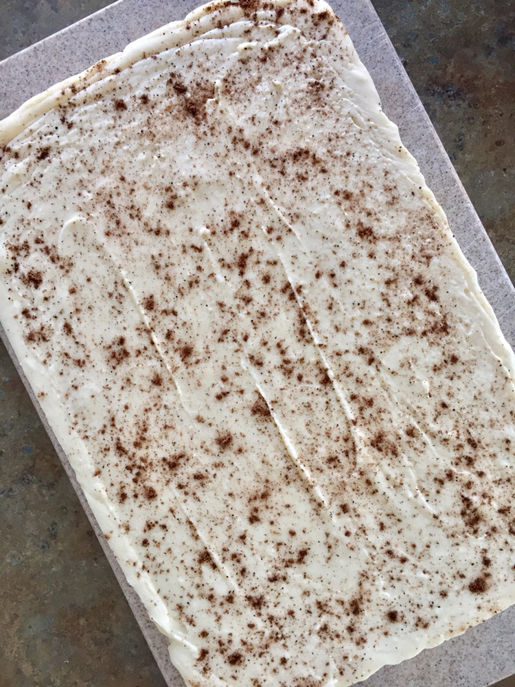 Easy Eggnog Fudge by Happylifeblogspot.com #fudge #eggnogfudge #eggnogrecipes #dessert #holiday #christmasrecipes #nobakerecipes