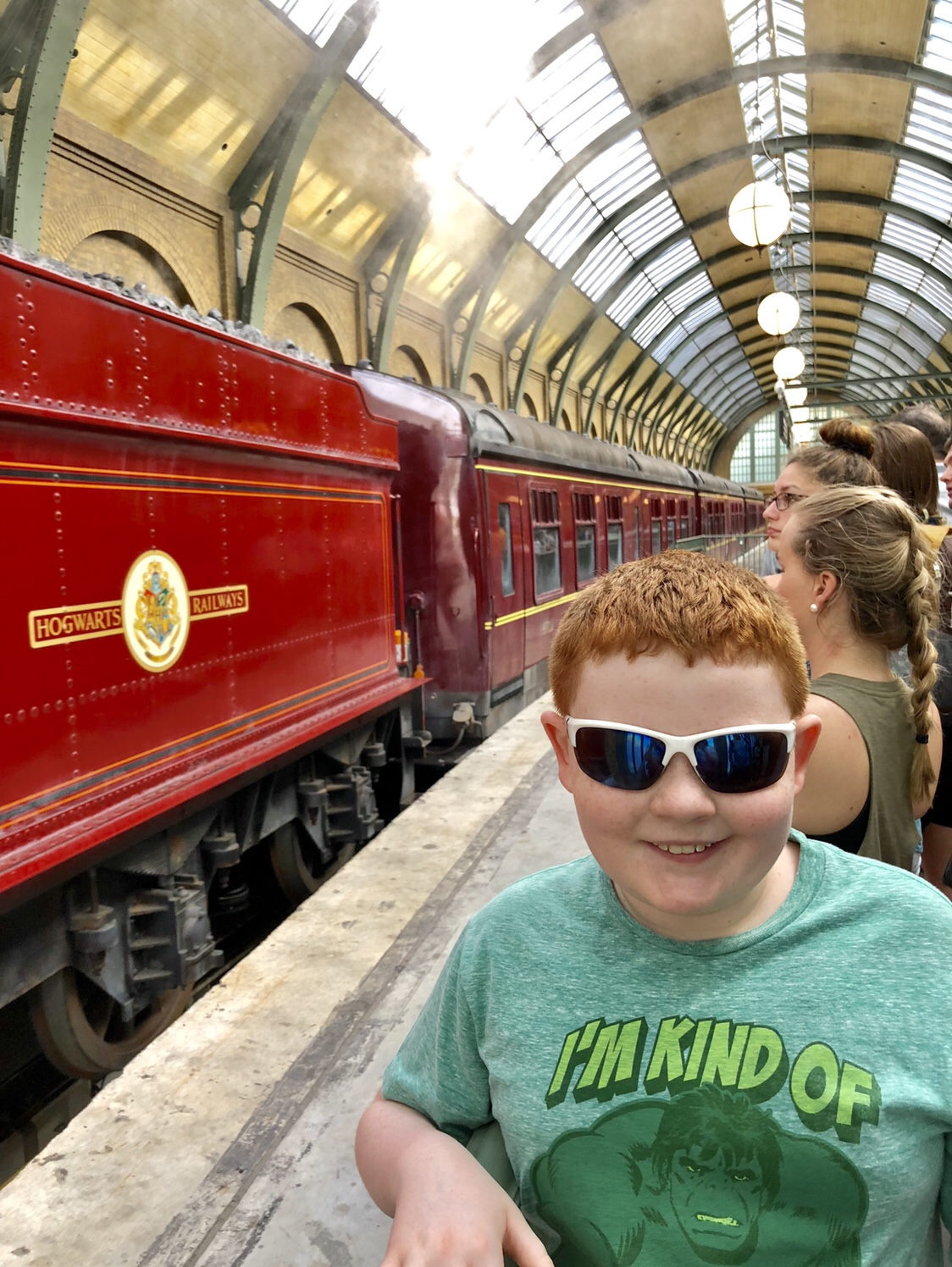 Hogwart's Express | The Wizarding World of Harry Potter #harrypotter #hogwartsexpress #harrypotterrides #universalstudios #kingscrossstation
