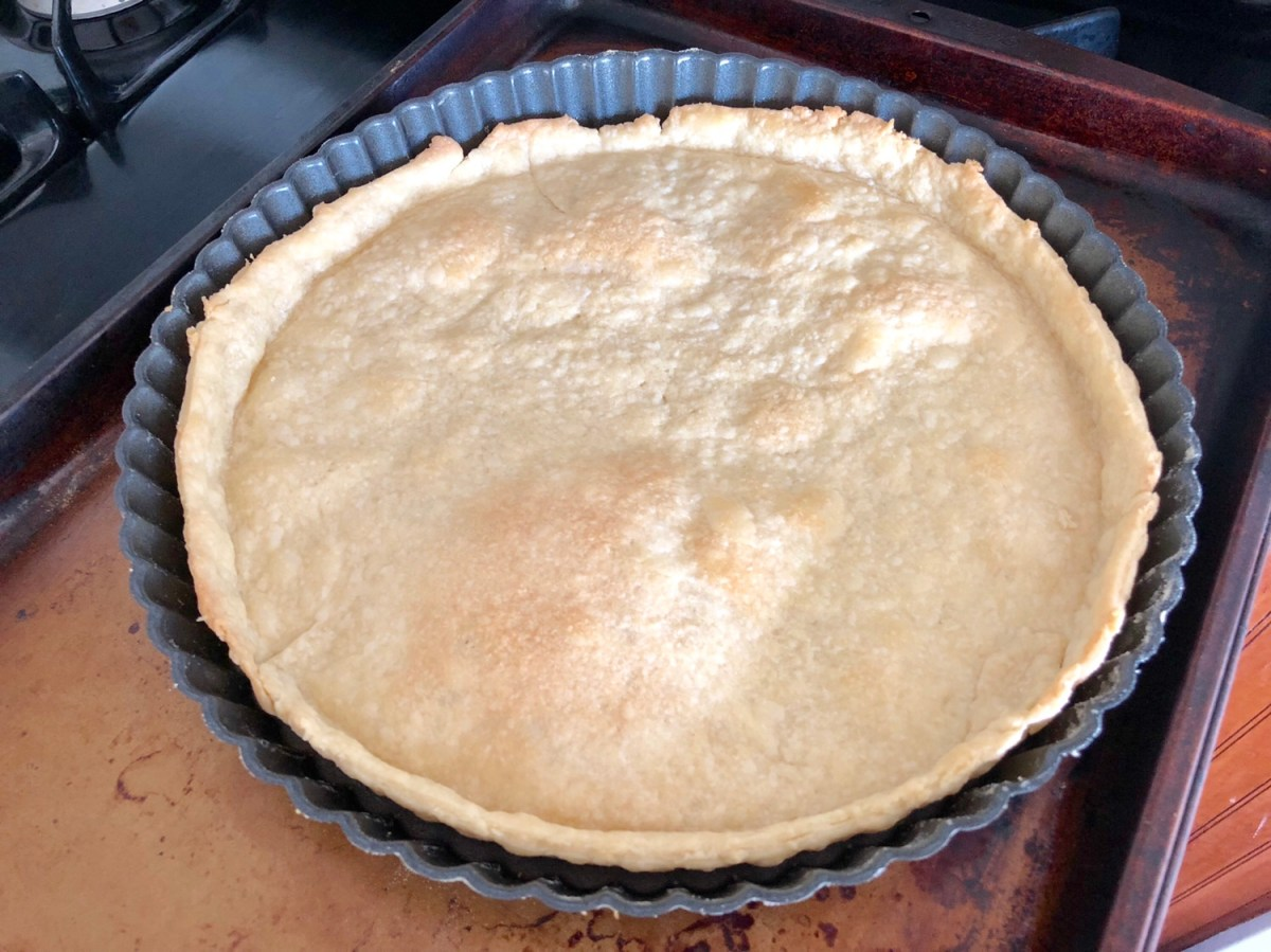 Bake in a 450 degree preheated oven for 10-12 minutes or until lightly browned. #strawberrytasrt #tart #tartrecipes #howtomakeatart #springtart