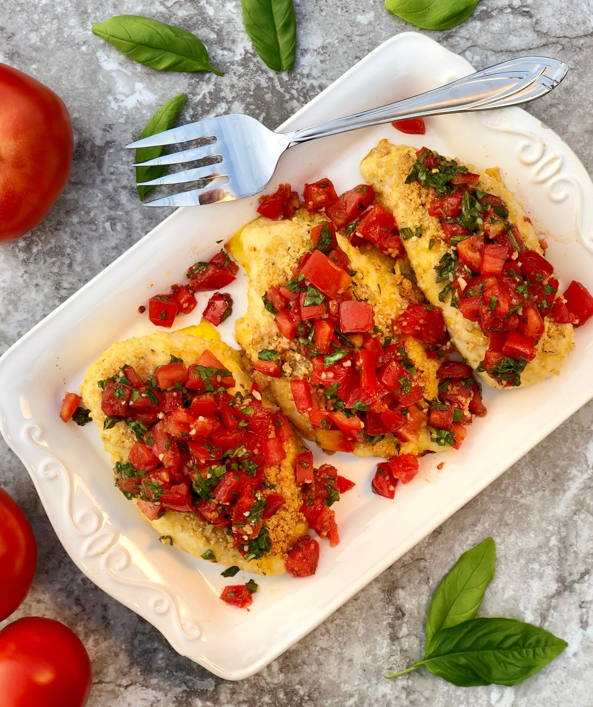 Bruschetta Chicken by Happylifeblogspot.com #chicken #bruschetta #bruschettachicken #tomatorecipes #healthydinnerrecipes