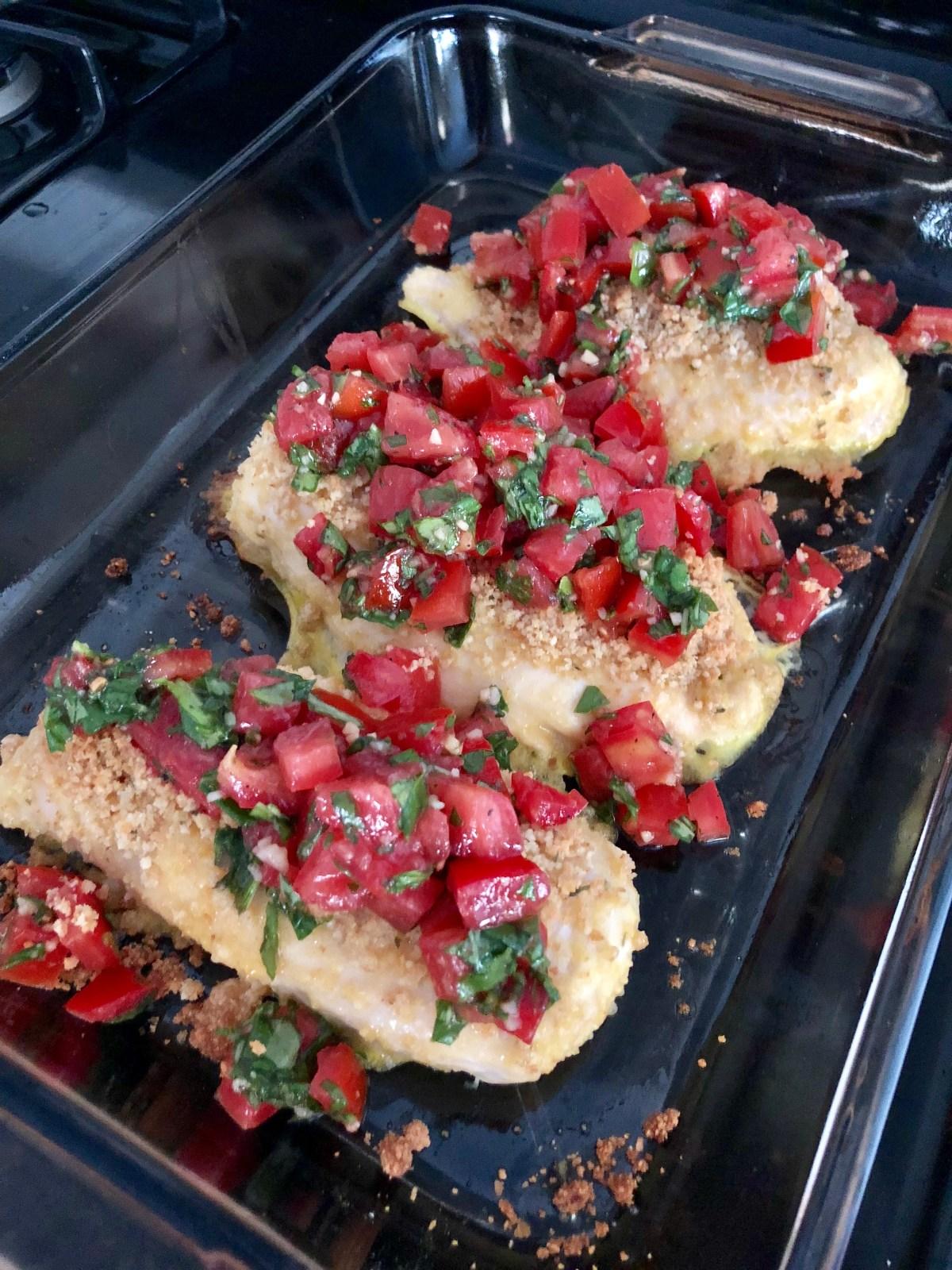 Bruschetta Chicken by Happylifeblogspot.com #chicken #bruschetta #bruschettachicken #tomatorecipes #healthydinnerrecipes